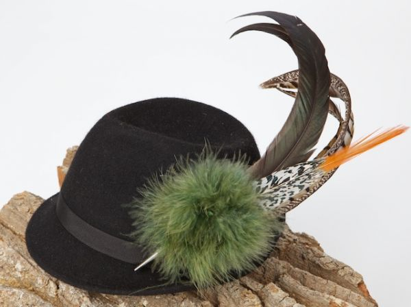 LA 1 Fasanfedergesteck für Hut mit Puschel grün