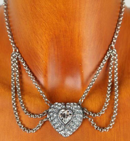 C703 Halskette mit Strassherz vers.Farben
